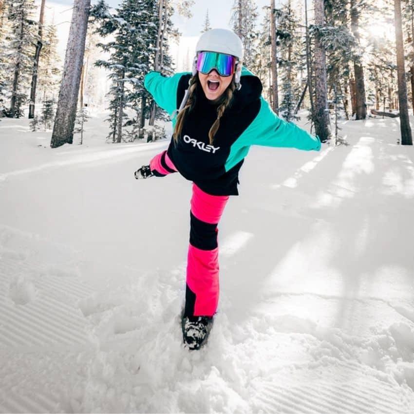 Kvinde iført skibukser til dame